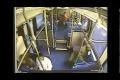 Man borde ha bälte på sig när man åker buss
